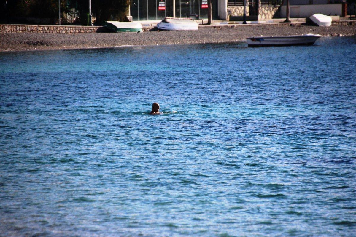 Bodrum da denizin keyfini sokağa çıkma kısıtlamasında çıkardılar #3