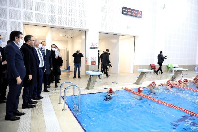Son dakika haberi: Bakan Kasapoğlu, Denizli Büyükşehrin spor yatırımlarını inceledi