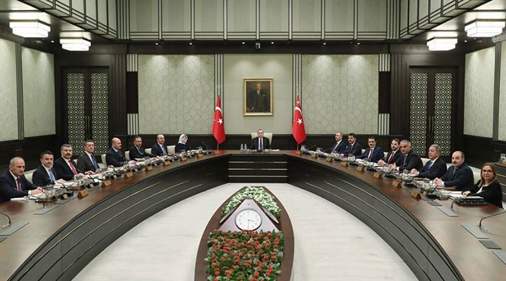 AKP'den 'kabine değişikliği' açıklaması: Cumhurbaşkanı yeni bir düzenlemeye gidecektir