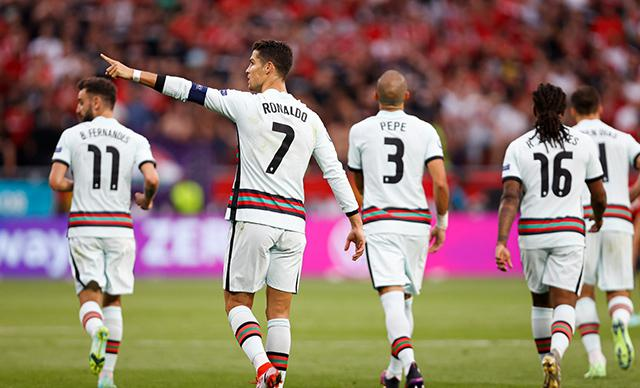 Ronaldo yıldızlaştı! Tarihe geçen performans